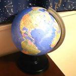リビングに地球儀と日本地図を!